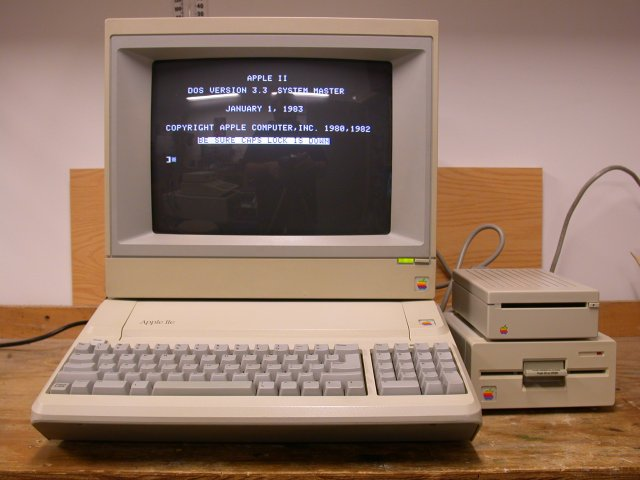 Apple IIe Platinum